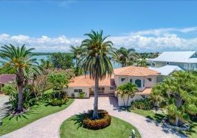 17323 Kennedy Dr.  - Kust Listed Home in N. Redington Beach